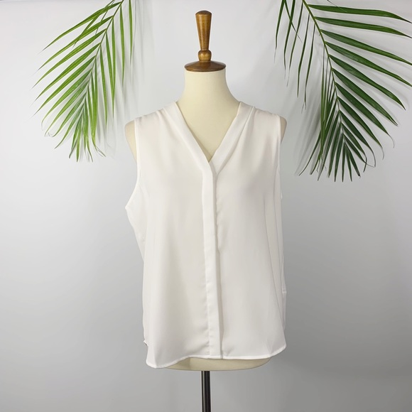 Forever 21 Tops - Forever 21 | Sleeveless Button-Front Top